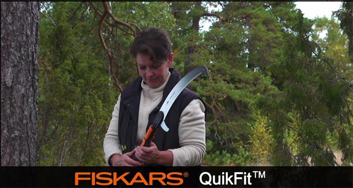 Fiskars-QuikFit-Curved-Saw-136527.jpg